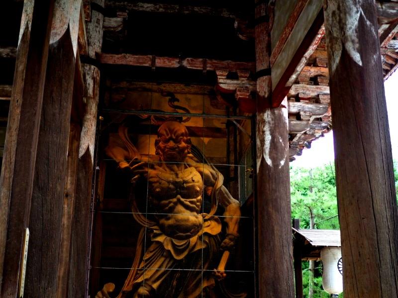 お寺の作法は神社と違うので注意!